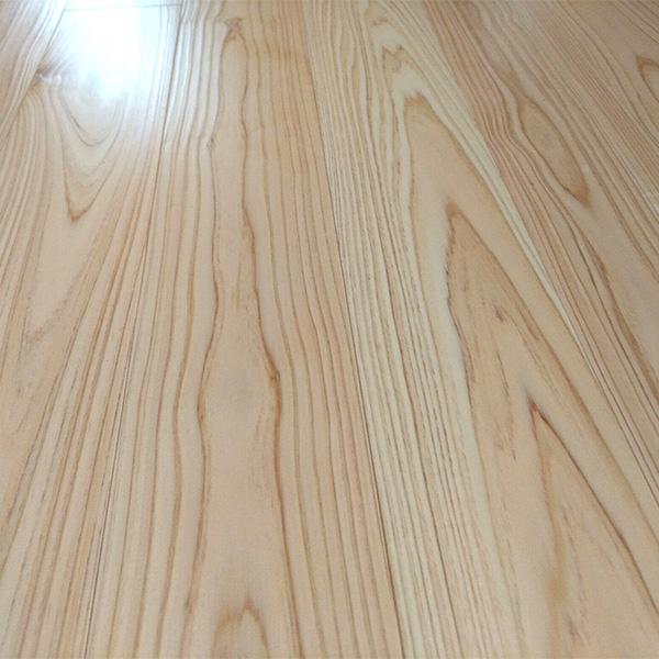 床暖房対応ヒノキ / 桧(三重県産桧) 一枚もの 無垢フローリング【上小節(紅白)】施工事例